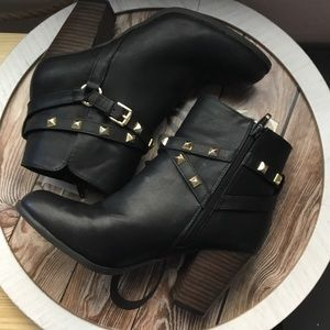 Cato Black Gold Accents Heel Booties Size 9